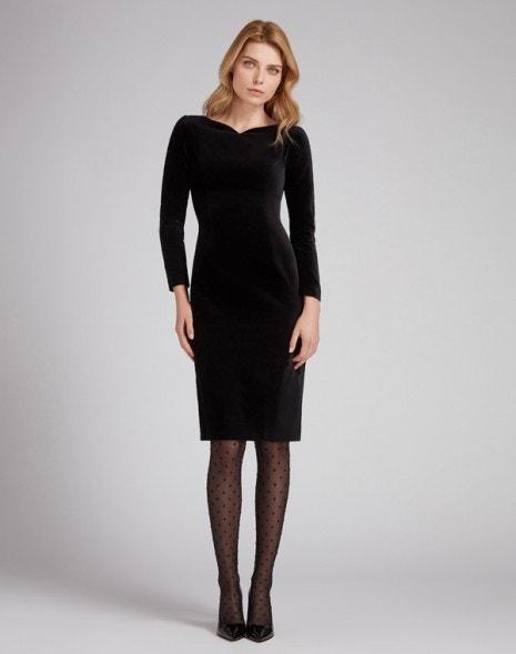 Intrigue Velvet Dress Black